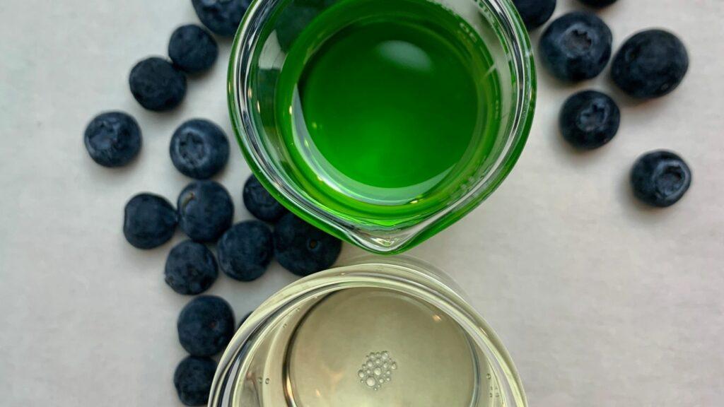Blueberry seed oil in beaker